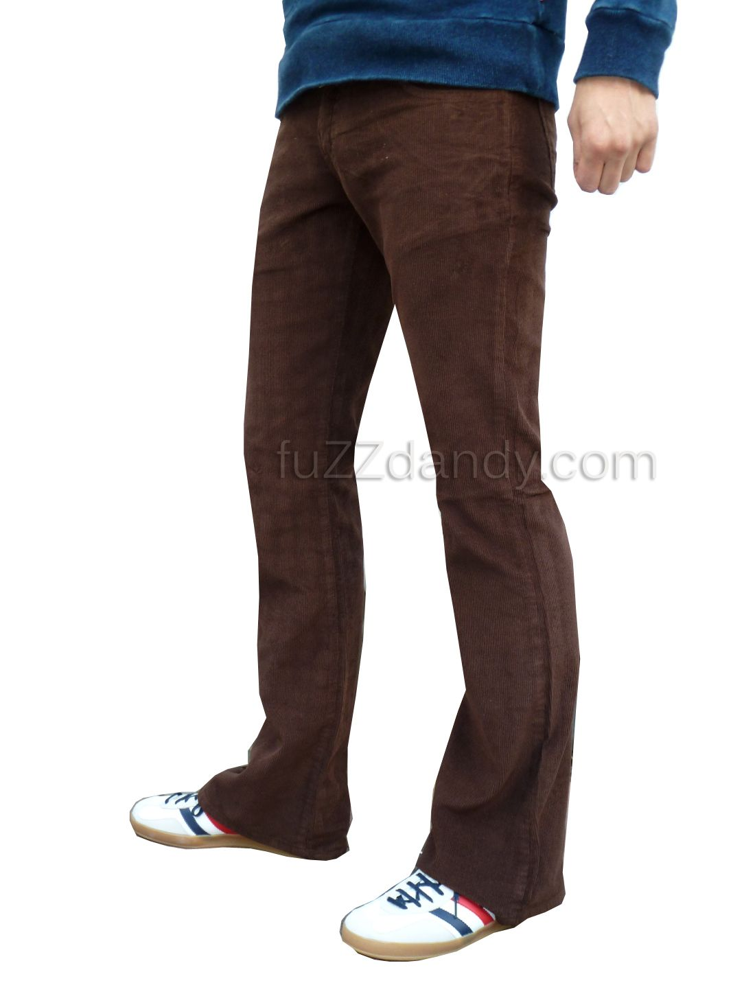 Our plus size stretch corduroy jeans have all the features of a classic: 5 pockets, back yoke, metal rivets, zip fly. All that and in a comfortable bootcut.